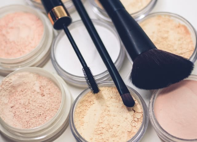 Make-Up Tips to Look Younger